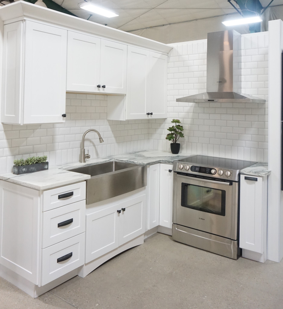 White Shaker Kitchen Display Affordable Kitchens And Baths